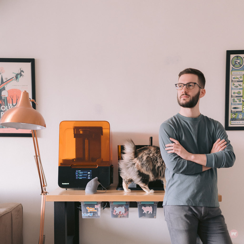 Rawrycat Founder David Reichmann with Formlabs 3D Printing Lab and Rawry the cat