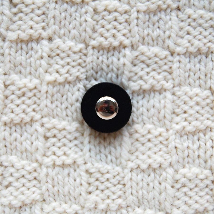 Jul Black Small Pedestal Button