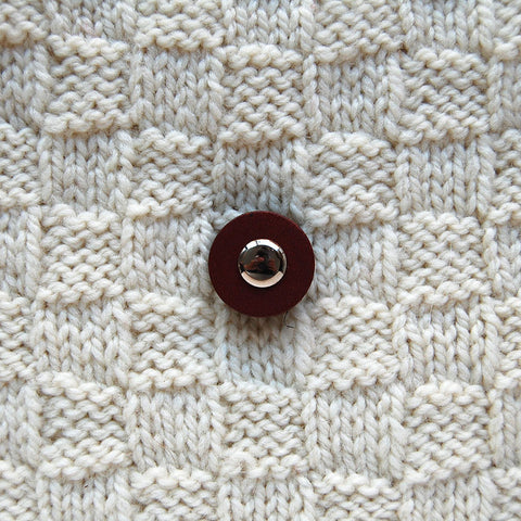 Jul Chestnut Small Pedestal Button