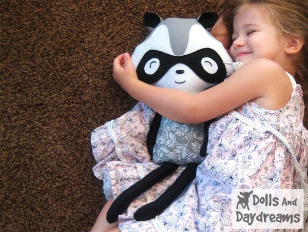 Raccoon Love Bandit Sewing Pattern - Dolls And Daydreams - 5