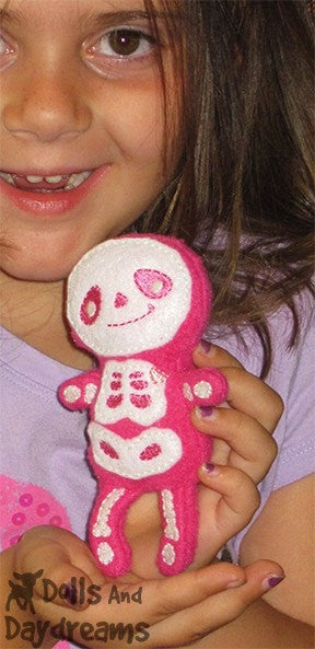 Embroidery Machine Skeleton Pattern - Dolls And Daydreams - 6