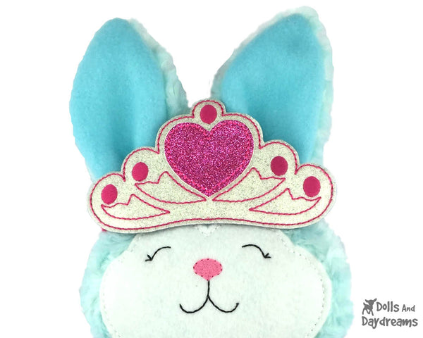 ITH Tiara Dress Up embroidery machine Pattern by Dolls And Daydreams - 1
