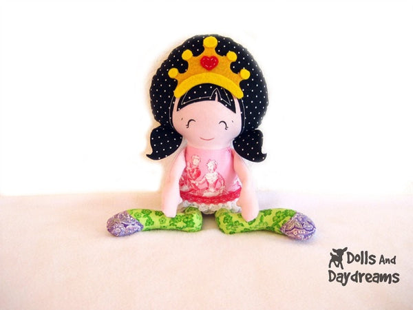 Pocket Princess Sewing Pattern - Dolls And Daydreams - 2