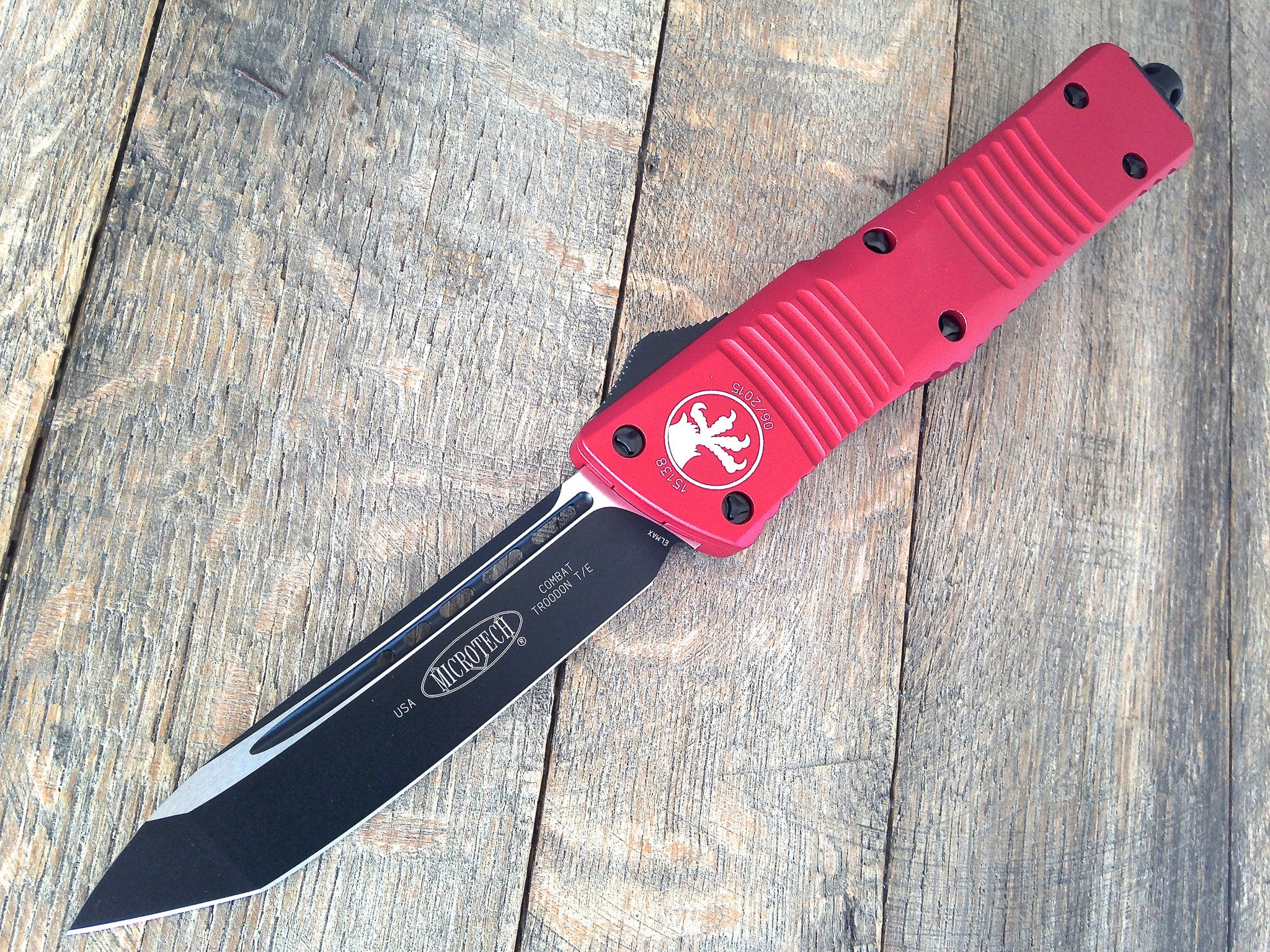 Microtech Combat Troodon Tanto OTF 144-1RD - GearBarrel.com