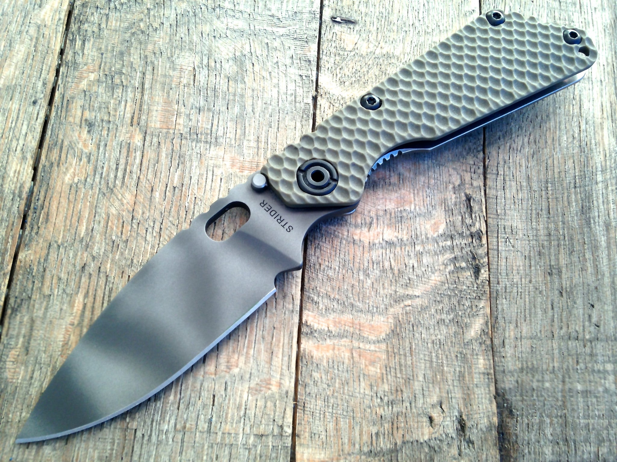 Strider SnG Gunner Grip Green (Striped) S30V - GearBarrel.com