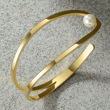 Load image into Gallery viewer, Freshwater Pearl Cuff Bracelet 18k Gold - Ibeauty By Halz