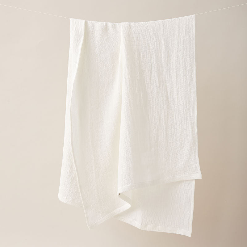 Honeycombed Textured Linen Bath Towel in Latte color