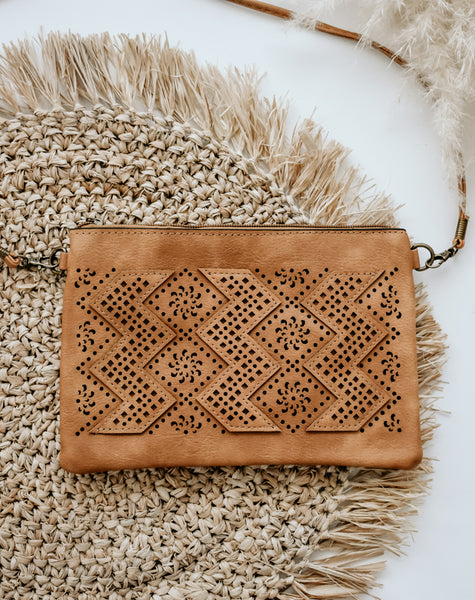 Soho Classic Cross Body Bag in Sand