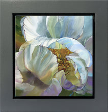 Load image into Gallery viewer, Shy Peony
