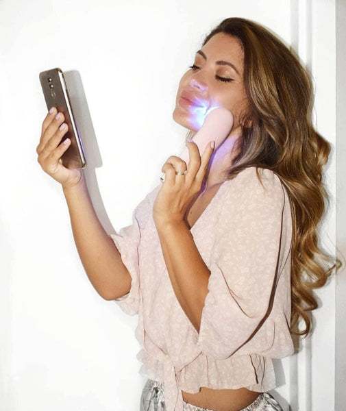 Glow Up Facial - LED Light Therapy Wand