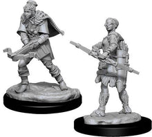Load image into Gallery viewer, D&D Nolzur's Marvelous Miniatures: Human Female Ranger - Wave 11 Unpainted (WZK90010)