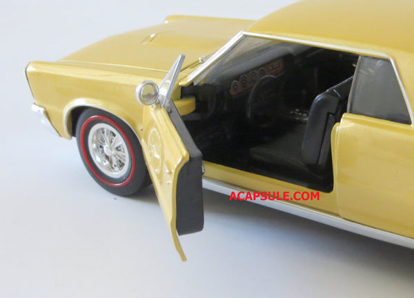 Gold 1965 Pontiac GTO 1/24 Scale Diecast Model with Window Box by Welly