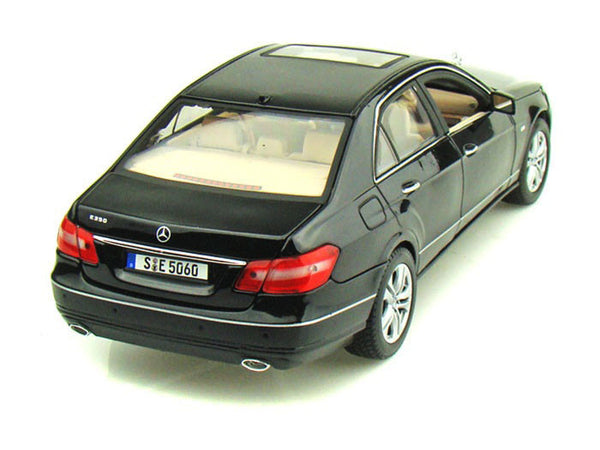 Black Mercedes Benz E350 with Sunroof 1/18 Scale Diecast Model