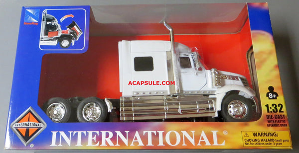 White International Lone Star Cab 1/32 Scale Model