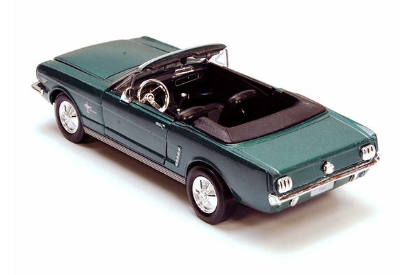 1/24 Scale 1964 1/2 Green Ford Mustang Convertible Diecast Model