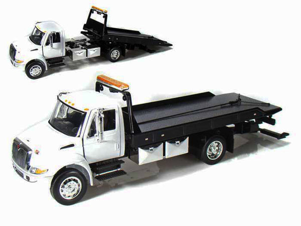 International Durastar 4400 Flat Bed Tow Truck 1 24 Scale