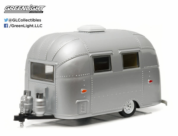 Airstream 16' Bambi 1/24 Scale Diecast Model by Greenlight