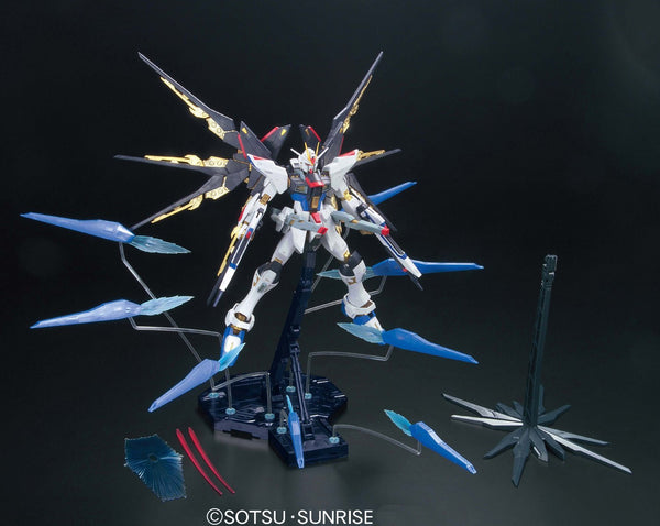 Gundam Seed Strike Freedom Gundam  Z.A.F.T. Mobile Suit ZGMF-X20A Full Burst Mode Master Grade 1/100 Scale Model Kit