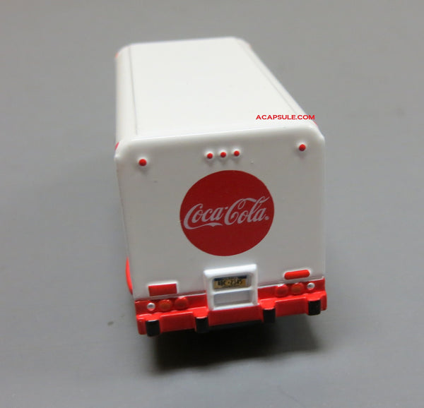 Coca Cola Beverage Truck 1/87 Diecast Model with Display Case