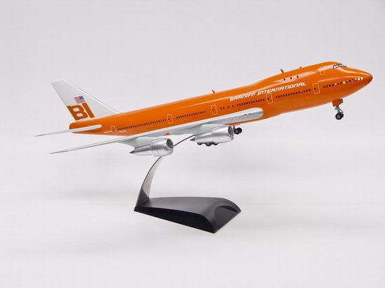 Dragon Braniff International 747 1/144 Model with Cutaway Views