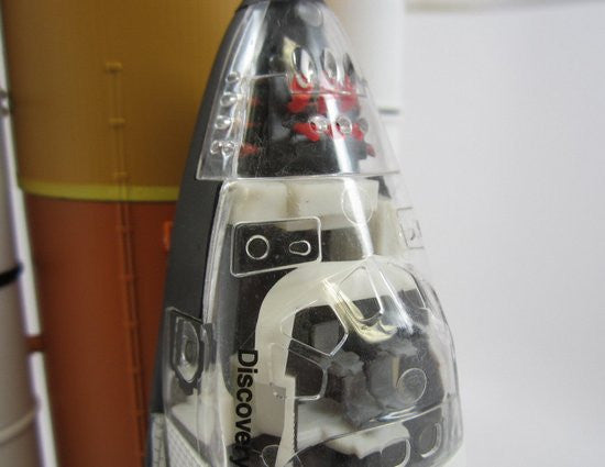 Cutaway Model 1/144 Space Shuttle Discovery w/Solid Rocket Booster