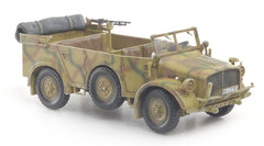 Dragon Armor Heavy Uniform Personnel Vehicle Type 40 1/72 Scale Model