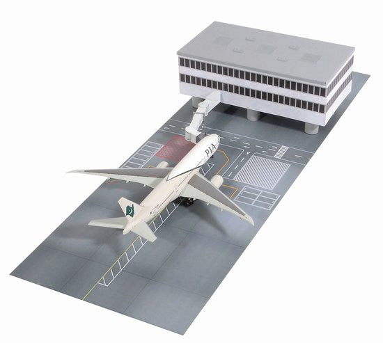 Pakistan International 777-300LR with Terminal Building and Boarding Bridge 1/400 Scale