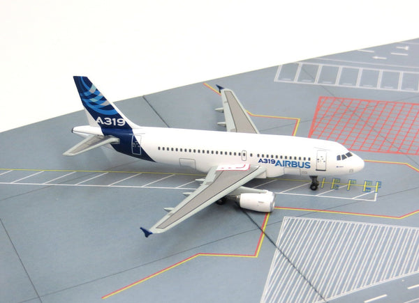 Airbus A319 Corporate Jetliner 1/400 Diecast Model 56352