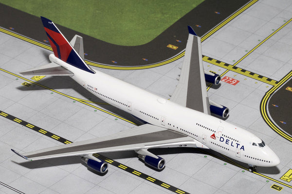 Gemini Jets Delta Air Lines 747-400 1/400 Scale Diecast Model Reg #N670US