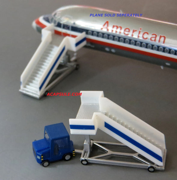 Herpa HE551861 1/200 Scale Airport Passenger Stairs and Tractor Set