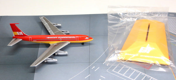 Jet-X Braniff Airways Boeing 720 Red Diecast Model 1/400 Scale w Stand