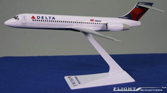 Flight Miniatures Delta Airlines Boeing 717-200 1/200 Scale Model with Stand
