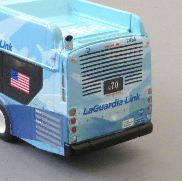 New York City Mta Laguardia Link Q70 1 87 Scale New Flyer