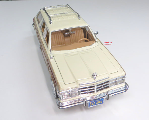1/24 Scale Tan 1979 Chrysler Lebaron Wagon Diecast Model