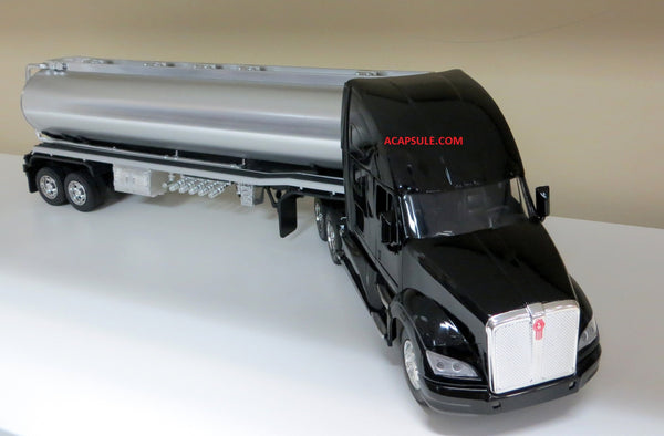 Kenworth T700 Oil Tanker 1/32 Scale Tractor Trailer Model