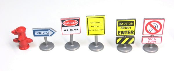 Road Signs, Parking Meter, Fire Hydrant about 1/43 Scale