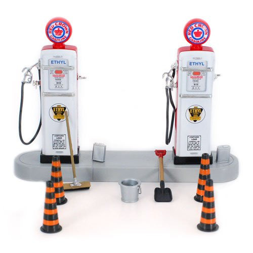 Unique Replicas 1/24 Scale 1950s Gas Pump Island Set with Accessories