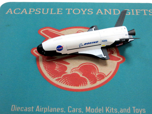 Dragon 1/72 X-37B Orbital Glide Test Vehicle Diecast Model with Stand & Gears