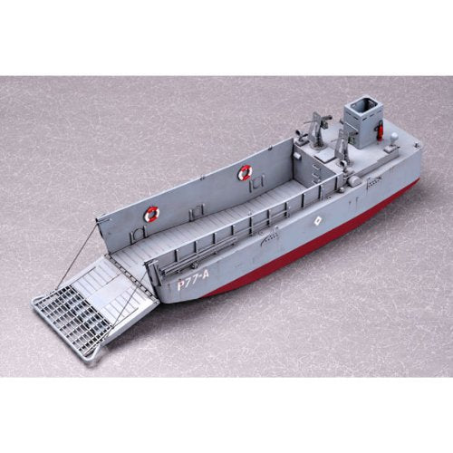 Easy Model WWII LCM 3 USN Vehicle Landing Craft 1/144 Model