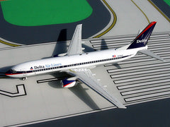 Gemini Jets Delta Air Lines 737-800 1/250 Scale Diecast Model