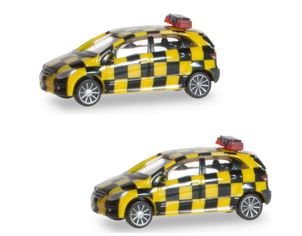 Herpa Airport Accessories Mercedes Benz Follow Me Van 2 Pack 1/200 Scale