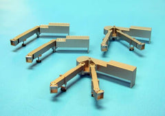 Herpa Airport Accessories 2 One Armed and 2 Two Armed Passenger Bridge