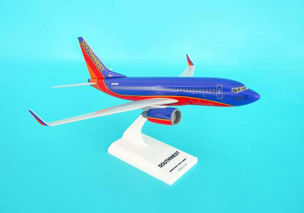 Skymarks Model Southwest Boeing 737-700 1/130 Scale with Stand