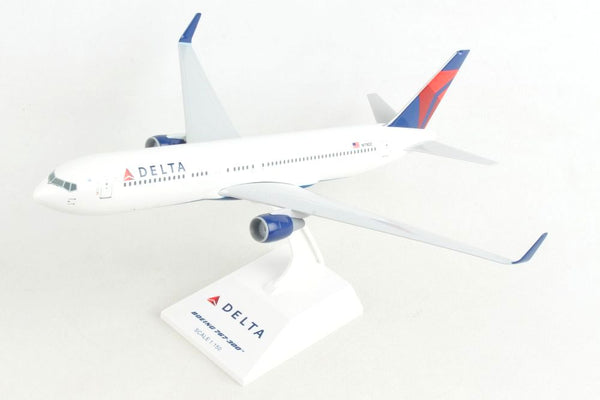Skymarks Delta Airlines 767-300 1/150 Scale Plane with Stand N178DZ