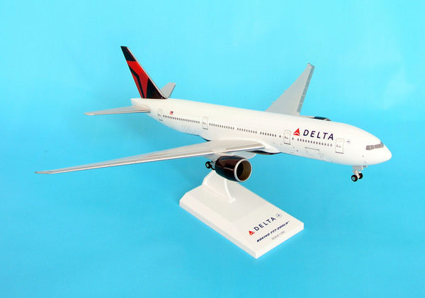 Skymarks SKR374 Delta Airlines 777-200 1/200 Scale Plane with Stand and Gears