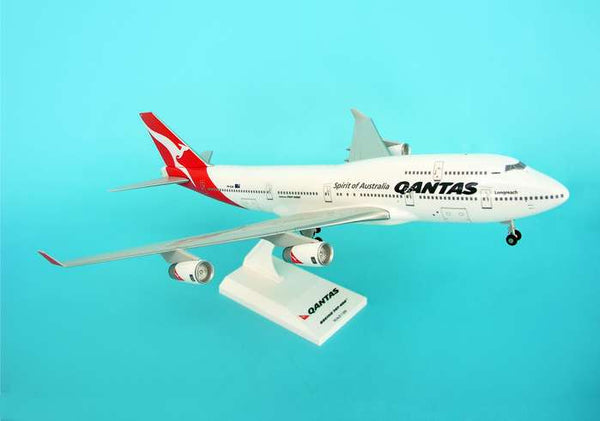 Skymarks Model Qantas 747-400 1/200 Scale with Stand and Gears Reg VH-0JA