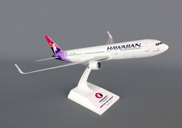 Skymarks Hawaiian Airlines 767-300 1/150 Scale Model Plane with Stand