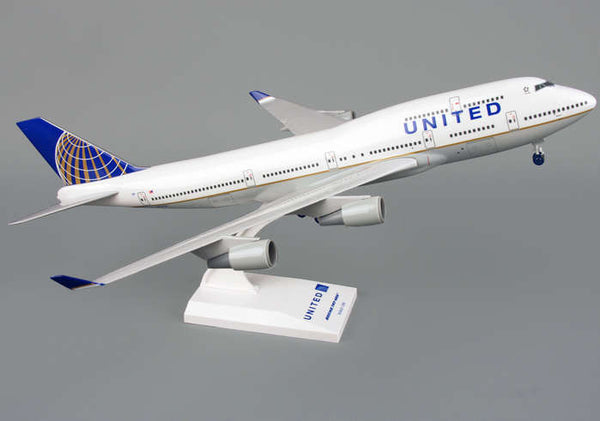 Skymarks Model United Airline 747-400 1/200 Scale Plane