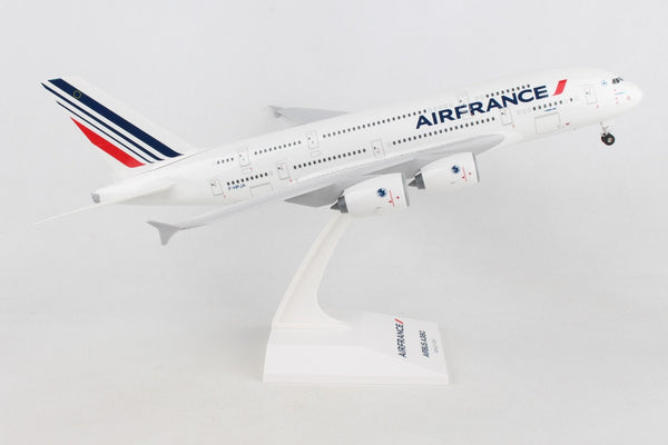 Skymarks Model Air France A380 1/200 Scale with Stand and Gears Reg F-HFPA