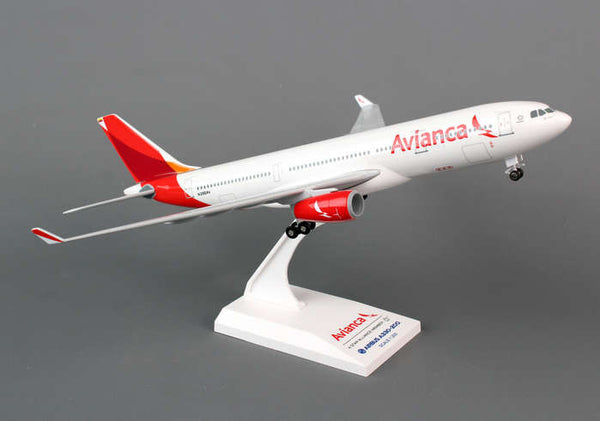Skymarks Model Avianca Airbus A330-200 1/200 Scale Plane w/ Stand and Gears